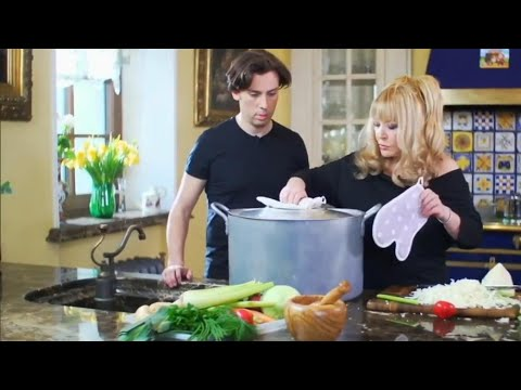 Какие блюда готовит Алла Пугачёва и кто помогает ей на кухне. Рецепт мясного блюда от Аллы Борисовны