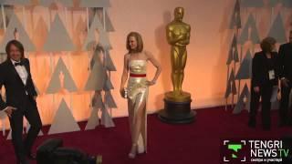 """Какие наряды выбрали звезды для красной дорожки """"Оскар-2015"""""""