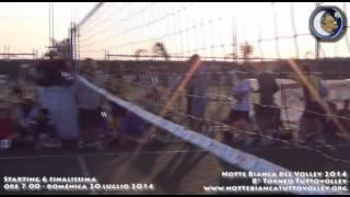 21-07-2014: I sestetti in campo prima della finalissima della Notte Bianca del Volley 2014
