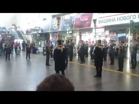 """Оркестр Минобороны Узбекистана дает концерт на Ленинградском вокзале в рамках фест. """"Спасская башня"""""""