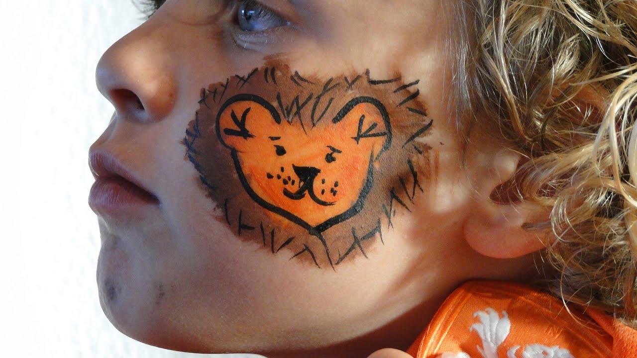 Cristel Schminkt Kleine Oranje Leeuw Op Wang Koningsdag Ek Wk Holland Nederlands