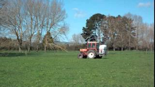belarus 900 tractor spraying