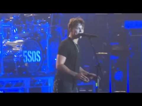 5 Seconds of Summer – She's Kinda Hot - 5/10/16 - HD Sydney