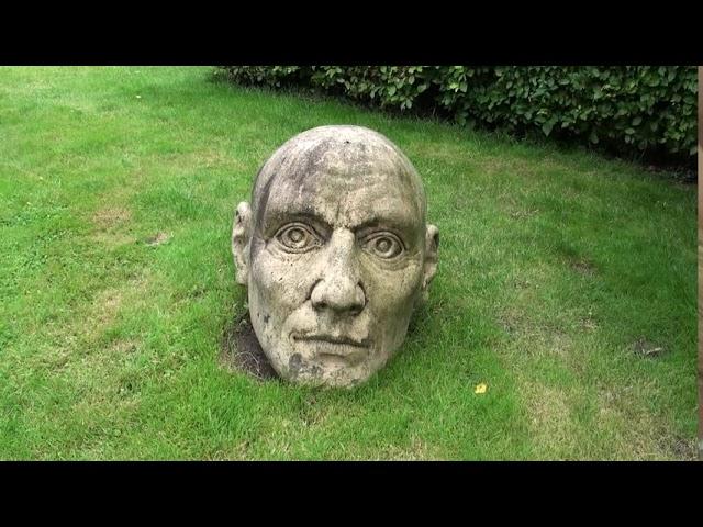 Boerderij Buitenland   Accent op een monument