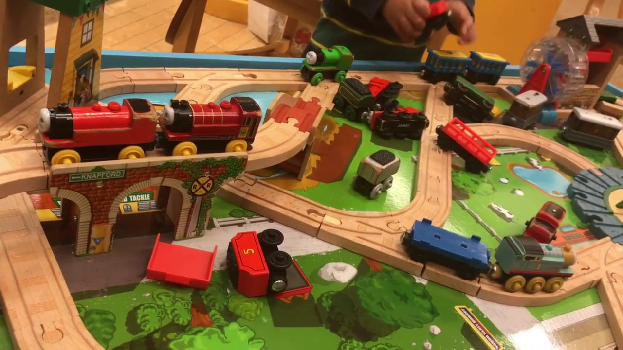 Thomas and Friends Train Table Wooden Railway Knapford Station ...