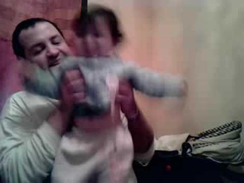 Delfi(una beba)baila A Ver si Pueden(Teen Angels)