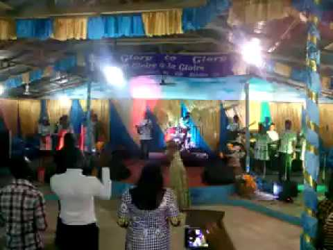 groupe GOD'S POWER ministering with AYAWAVI