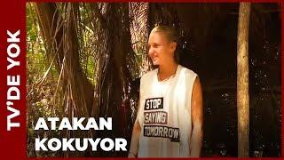 Dalaka Atakan'ın Tişörtünü Giydi - Bu Görüntüler TV'DE YOK!
