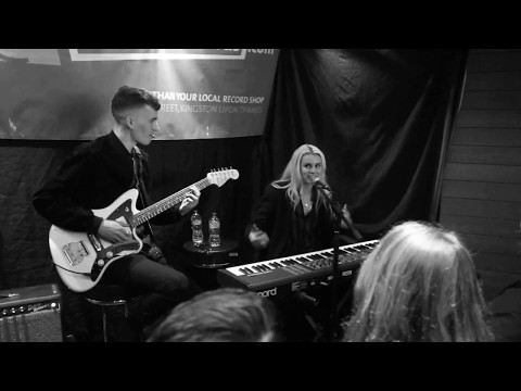 PVRIS - My House (Live in Banquet Records)