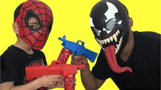 Spiderman vs Venom (Black Spiderman/ Carnage) New Toys Fighting Video – Web Fluid