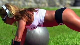 Download Video Jennifer Nicole Lee Sizzles in a Bikini. MP3 3GP MP4