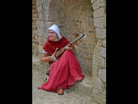 Firing a 15th Century medieval matchlock gun