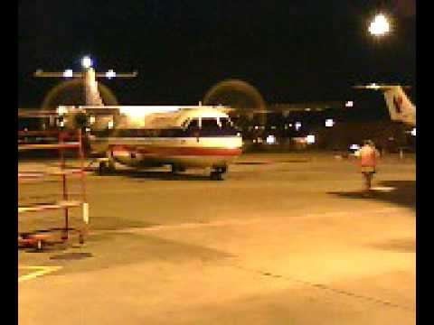 American Eagle Airline At Dfw Airport Terminal B Youtube