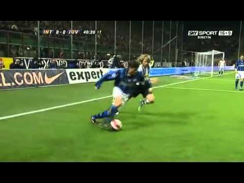Zanetti run v Juventus Umilia Nedved.flv