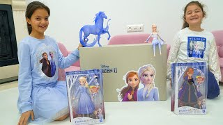 Masal and Öykü surprise toys - Elsa and Anna toddlers