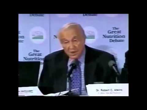 Dr  Robert C  Atkins Lecturing At The USDA Great Nutrition Debate, 2000