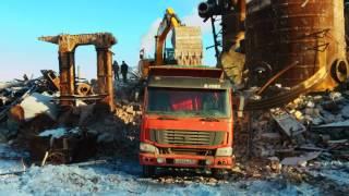 Демонтаж здания длинноруким экскаватором(, 2015-08-21T07:52:07.000Z)
