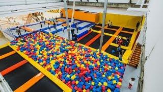 Батутный центр НЕБО Прыжки на батуте Акробатика Трюки на батутах Батутный парк Детский батут Женя ТВ