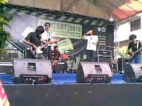 Black and Blue live at Gunadarma Depok