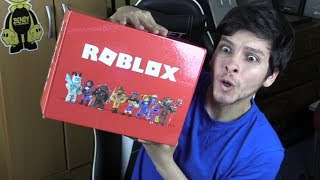 ROBLOX HAS Sent ME A MYSTERIOUS BOX!!