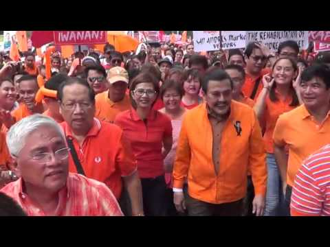 "Joseph ""Erap"" Estrada files COC for Manila mayor"