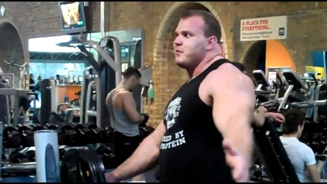 Derek Poundstone Trains Chest Bench Press - YouTubeDerek Poundstone Bench
