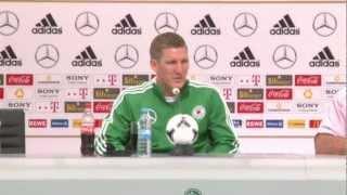 Bastian Schweinsteiger: Mario Gomez 'just like Didier Drogba'