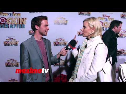 "Monica Potter on Her Golden Globe Nomination for ""Parenthood"" - INTERVIEW"
