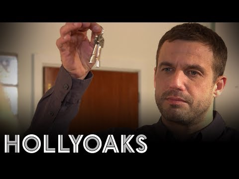 Hollyoaks: Warren offers Grace half of The Loft
