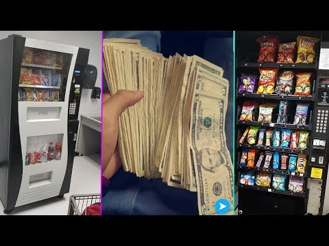 Pulling Cash From My Vending Machine Business!