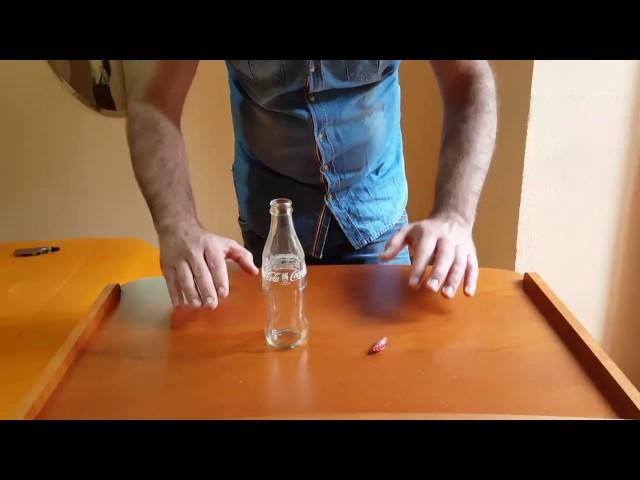Come scioccare i vostri amici con una Magia // il tappo attraversa bottiglia di Vetro
