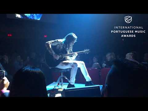 Nuno Bettencourt performs the Portuguese National Anthem at IPMA 2019