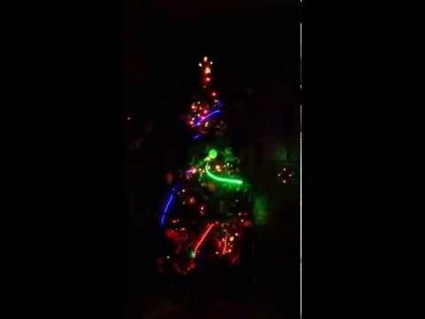 musical christmas tree lights edm christmas tree - Musical Christmas Tree Lights