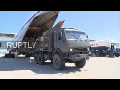 Syria: Russian Il-76 airdrops humanitarian aid over Deir ez-Zor