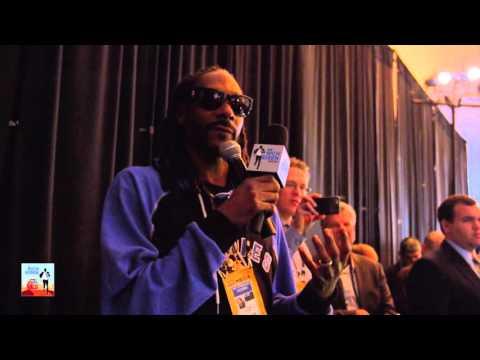 Snoop Dogg Interviews Peyton Manning at Media Day - 2/5/16