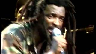 lucky-dube-lucky-dube-together-as-one-live-part4