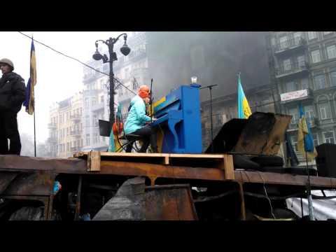 Lisa Yasko piano song on Barricades of Euromaidan. January 2014