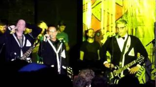 Never Going Back to New Jersey, by Less Than Jake @ The Fest 10 (Gainesville, 2011).MTS