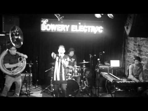 Julio Reyes - Dos Hojas LIVE @ Bowery Electric NY