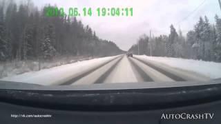 Смотреть видео Подборка ЖЕСТКИХ ДТП на видеорегистратор январь 2015 !!! Auto Crash TV № 95 !! онлайн