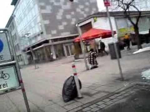 Frau sucht mann mit geld