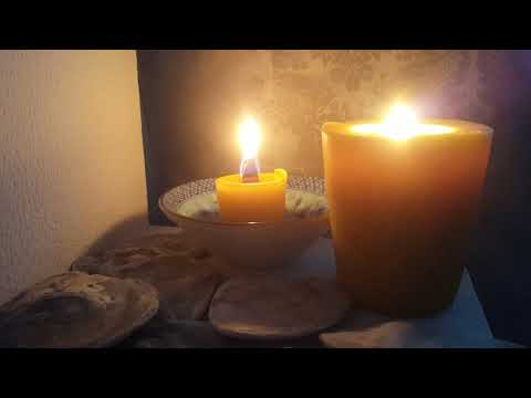 Warmcandle.com. Beeswax votive candle. Wood wick candle burning.
