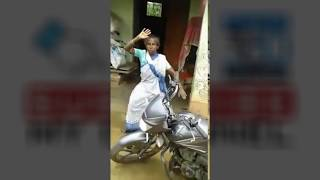 vuclip funny old lady dancing road -- Funny old man singing Indian song 2017