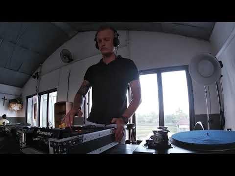 DJ - Set 1 (Techno)