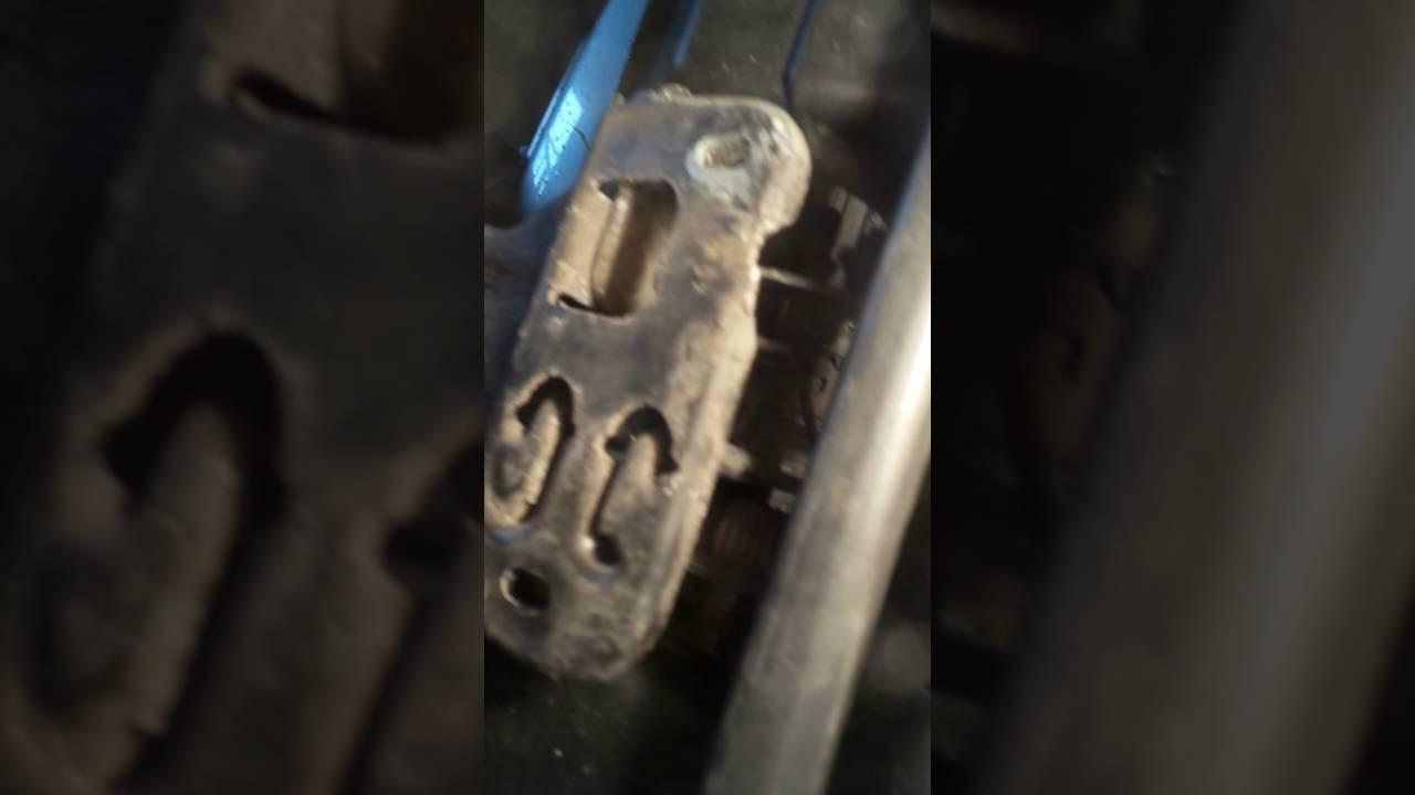 Jak Otworzyć Maske Audi A4 B5 How Open The Hood Audi A4 B5 Youtube