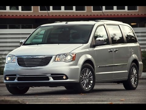 2013 Chrysler Town and Country Start Up and Review 3.6 L V6