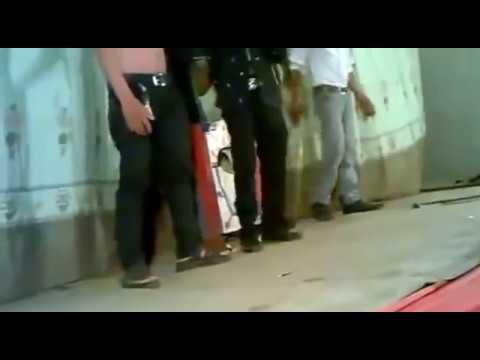 Ảo thuật cắt đứt đầu chết người tại Bến Tre