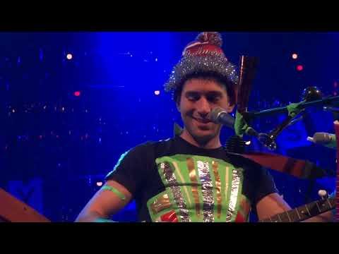 Sufjan Stevens 'Lumberjack Christmas' Intro - Banjo Tuning