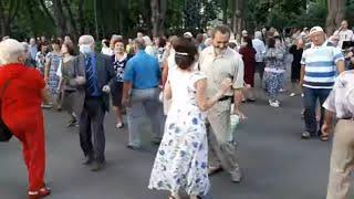 Погадай-ка мне,цыганка!!!Народные танцы,сад Шевченко,Харьков!!!
