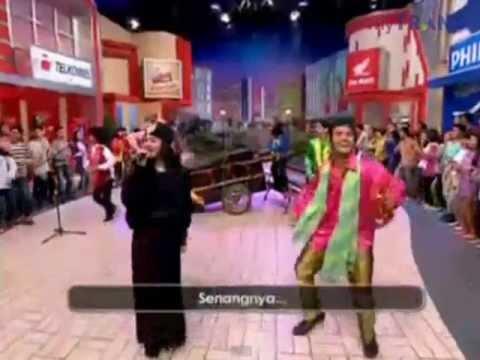 Joged Keep Smile Dewi Persik